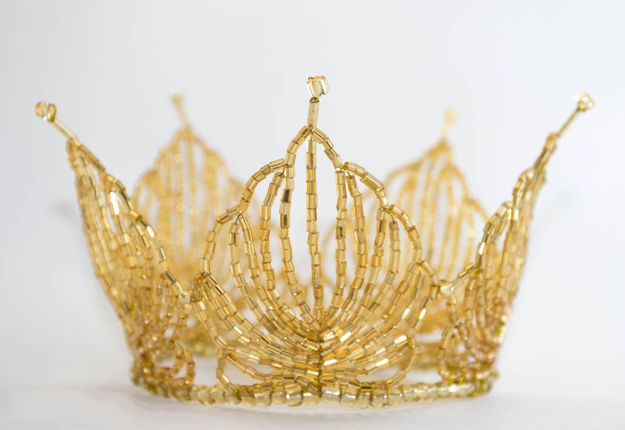 Oct 23, 2013 - как сплести из бисера мяч - Мир бисероплетения. корону сплести из Бисерный мульт-мастер-класс по...