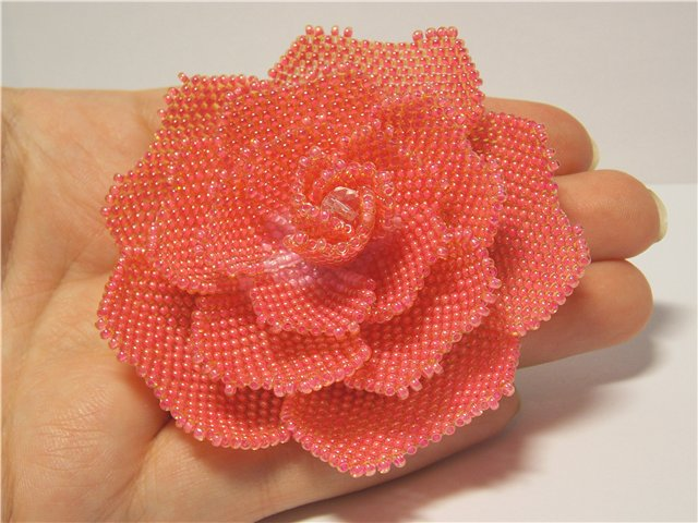 схема розы из бисера